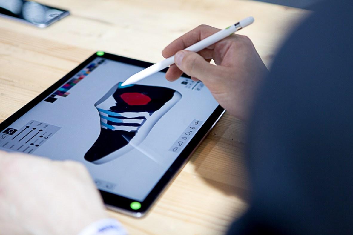 Interaktive Speaker-Gestaltung bei Adidas futurecraft! ©BreadButter-by-Zalando