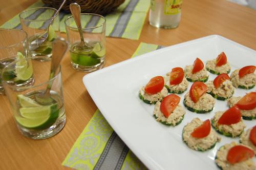 Canapés et cocktail au rhum