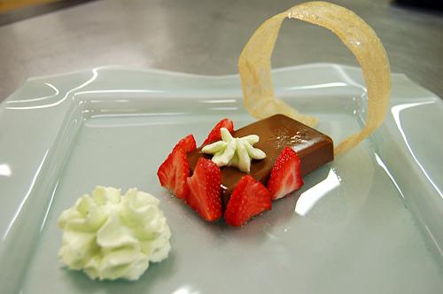 Mousse au chocolat basilic