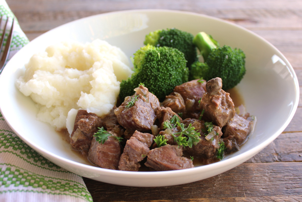Slow Cooker Sirloin Tips with Gravy