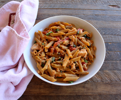 whole wheat pasta salad with tuna and red peppers