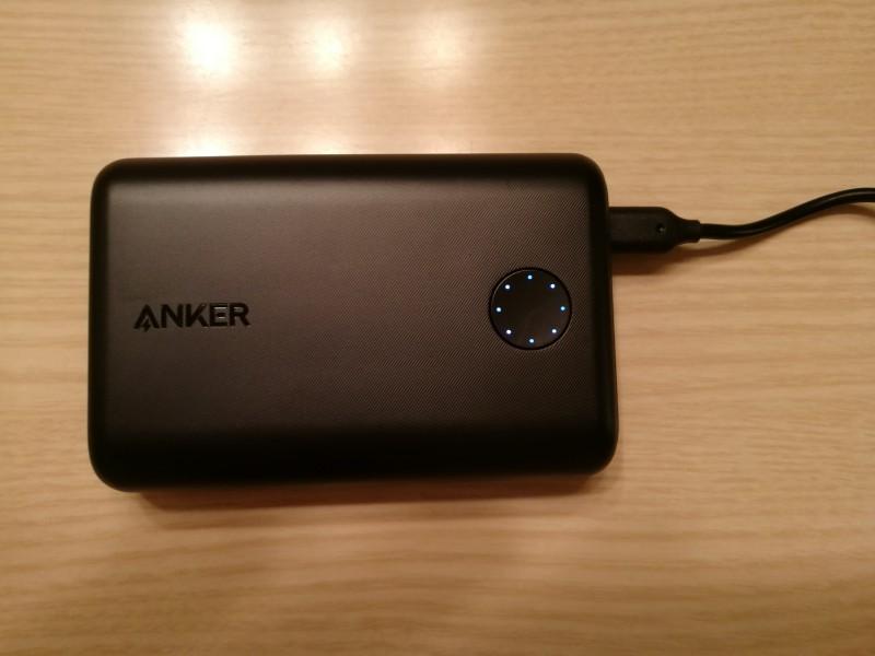 Anker PowerCore II 10000の充電時の画像2