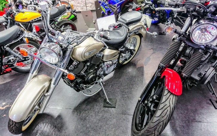 あぼお気に入りのシャンパンゴールドのバイク