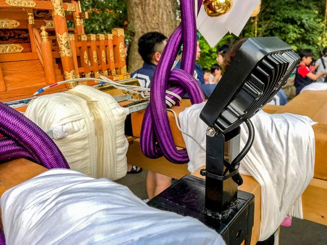 神輿に装着している謎の機械