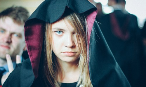 Graduation Nightmares – 7 Tips on How to Survive a  Post-University Rollercoaster