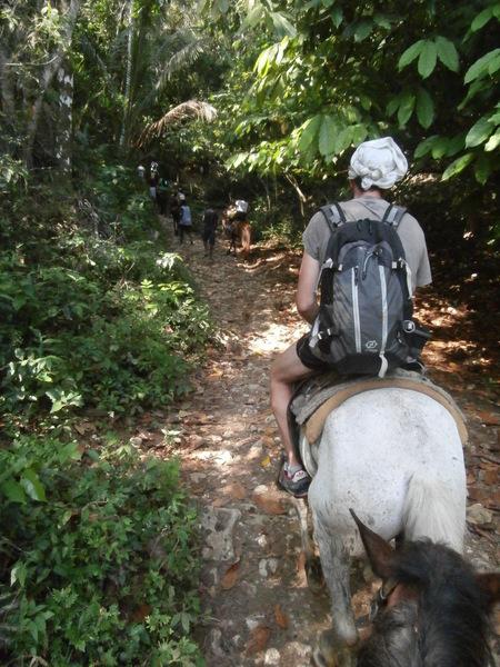 A cavallo verso la cascata di El Limon
