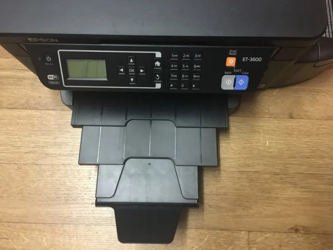 Epson ET-3600 Review - The printer holder and a close up of the buttons