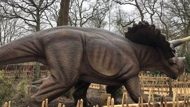 World of Dinosaurs at Paradise Wildlife Park - lifesized animatronics