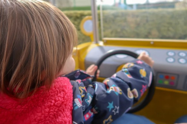 A family trip to Peppa Pig World - Daisy driving
