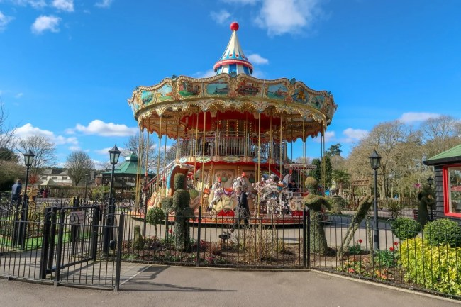 A family trip to Peppa Pig World - Paultons Park Carousel