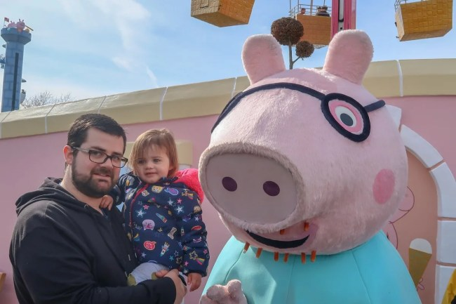 A family trip to Peppa Pig World - meeting Daddy Pig