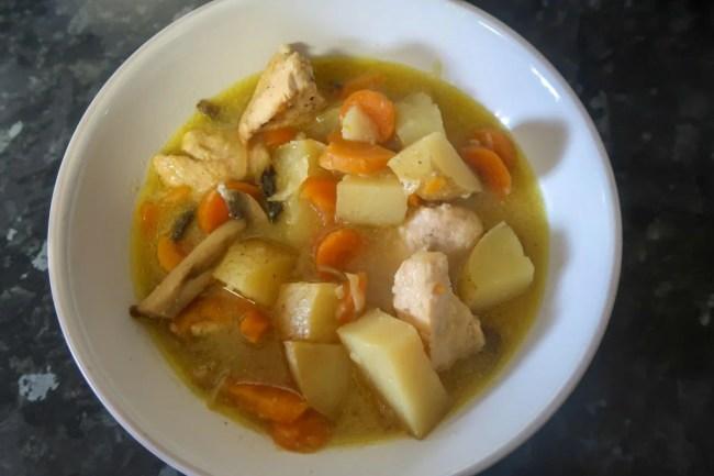 Easy slow cooker chicken casserole recipe