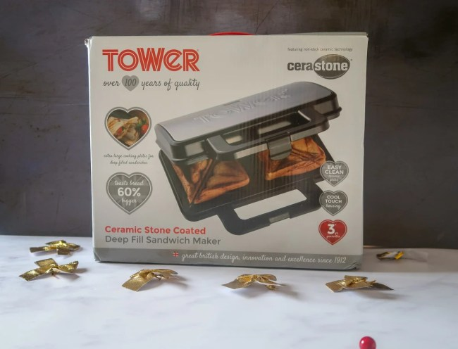2018 Christmas Gift Guide for food & drink lovers - Tower Toastie Maker