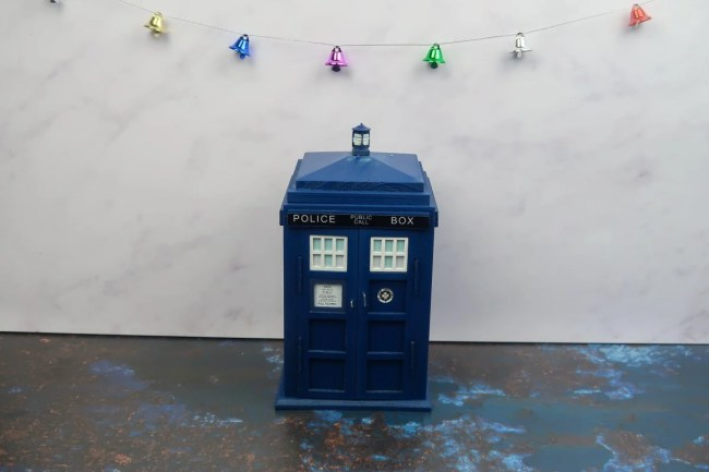 New home Christmas Gift Guide for 2019 - Tardis Desk Tidy