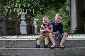 Could these two get ANY cuter?!