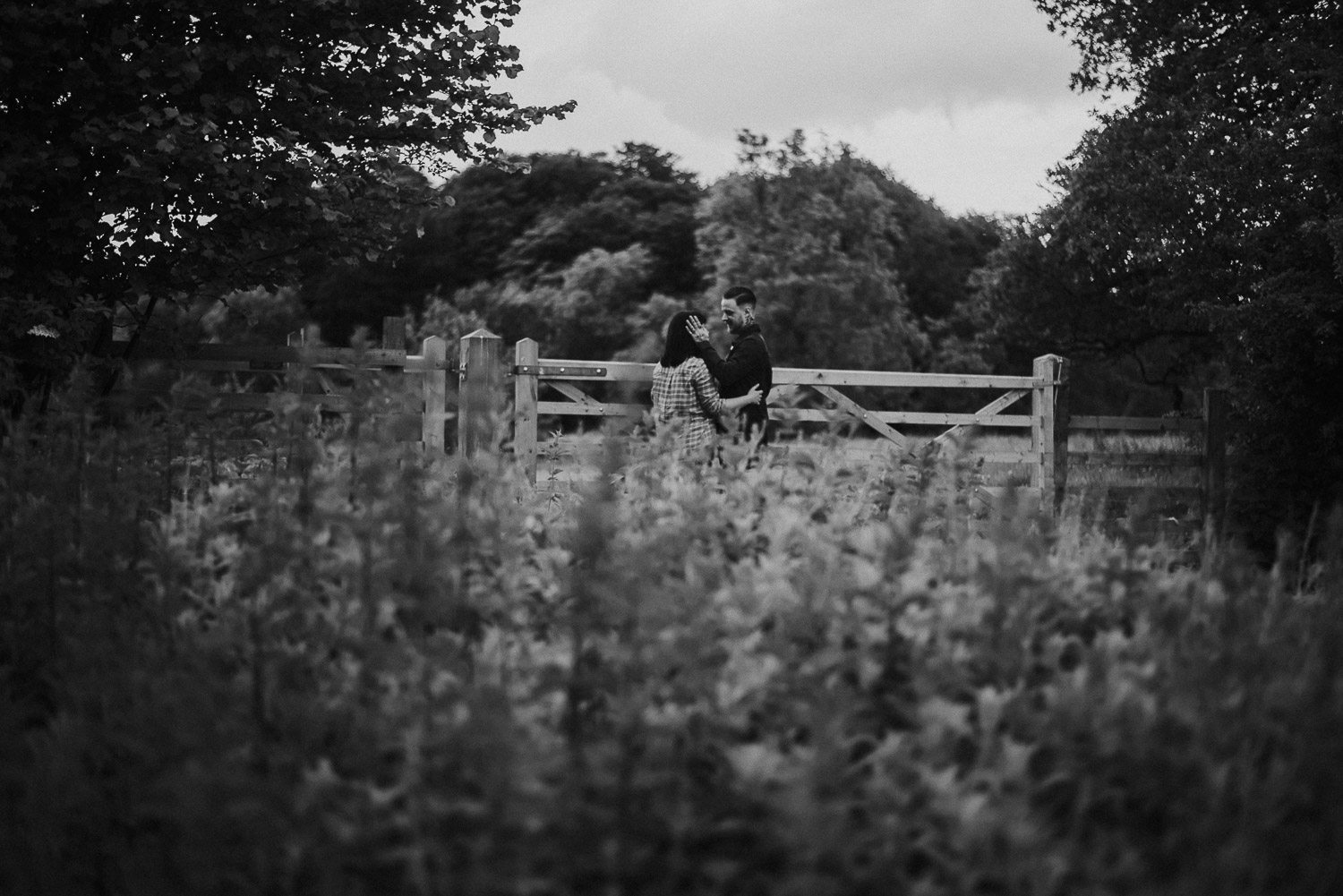 wrexham_wedding_engagement_wales_erddig_couple_session_katy_webb_photography_france_UK_5