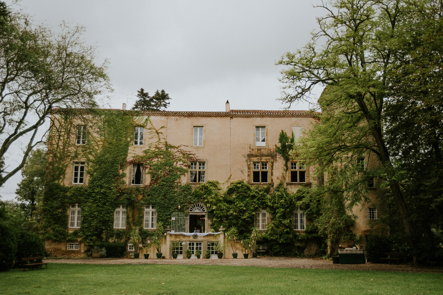 chateau_la_commanderie_mirepoix__wedding_katy_webb_photography_france_UK10