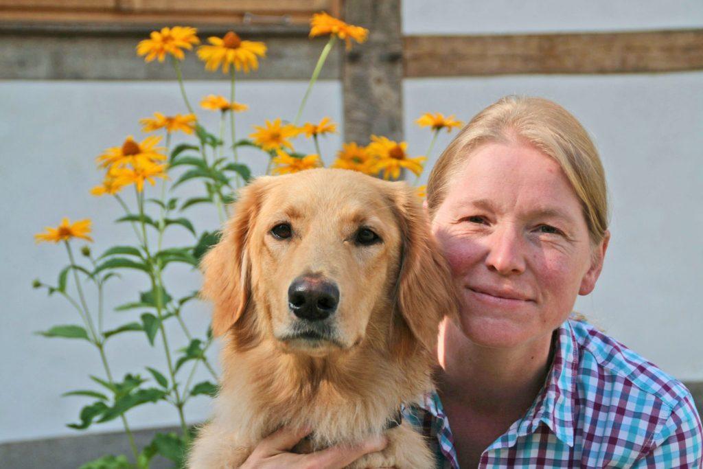 Tierärztin Dr. Sonja Wolken gibt Tipps zur Entwurmung von Hundemüttern und ihren Welpen.