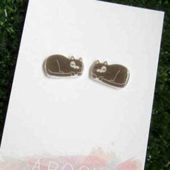 Sleeping-Kitty-Cat-Earrings-apooki-unique-gift-ideas