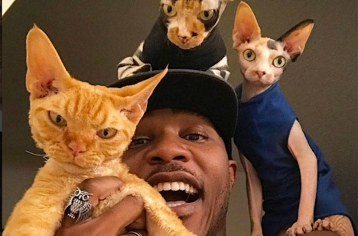 IAMMOSHOW, THE CAT RAPPER meets ARM & HAMMER SLIDE