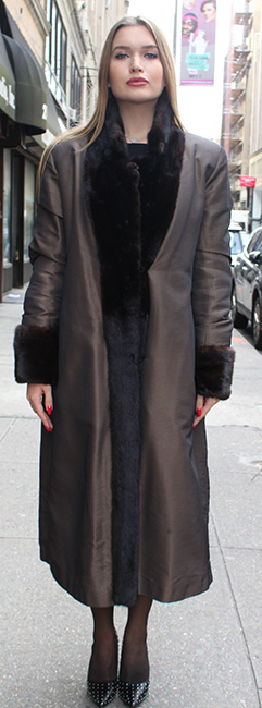 Pre-Owned Reversible Mink Coat Size