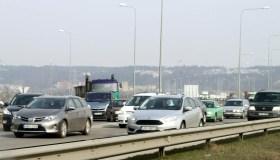 Automobilių spūstys aplinkelyje