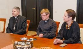 Memorandumo dėl bažnyčios atkūrimo ir pritaikymo bendruomenės reikmėms pasirašymas