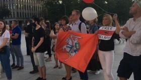 Vienybės aikštėje kauniečiai išreiškė palaikymą Baltarusijos protestuotojams
