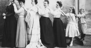 """Paroda """"Kasdienės gėlės: moterų ir vaikų portretai iš grafo Stanislovo Kazimiero Kosakovskio fotografijų rinkinio"""""""