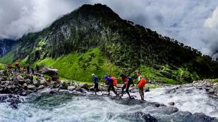 Hampta Pass Trek- River Crossing_1