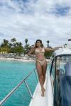 Simple-beige-bikini-swimwear-front-twopieces-dospiezas-swimsuit-kimkardashian-kyliejenner
