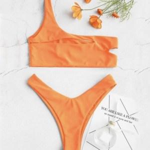 bikini naranja de dos piezas