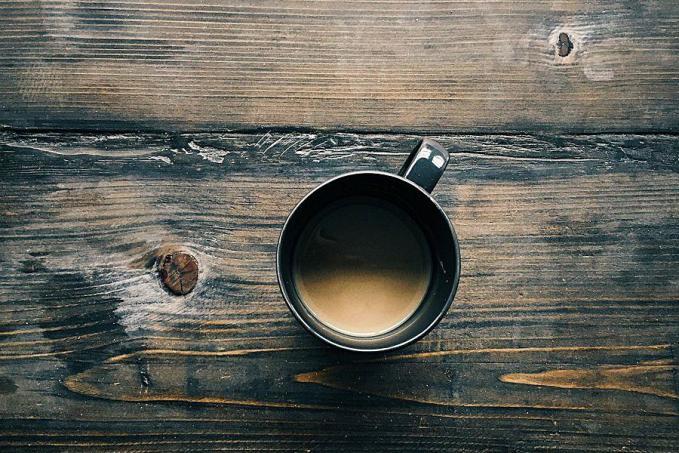 Kávézni felkelés után éhgyomorra tilos