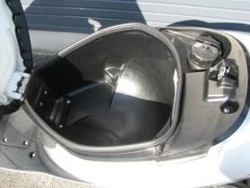 中古車 スズキ アドレスV50 シルバー シートボックス