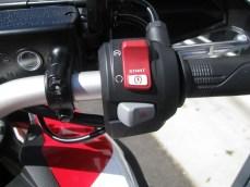 ホンダ CRF1000Lアフリカツイン レッド 右側スイッチ