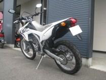 ホンダ CRF250L ホワイト リヤサイド