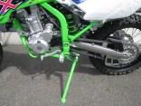 カワサキ KLX250 ファイナルエディション グリーン フレームとスタンド