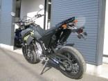 ヤマハ WR250X ブラック/グレイ 後ろ側
