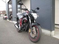 スズキ ジクサー(GIXXER)155cc レッド/ブラック 前側