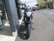 新車 スズキ ジクサー(150cc) レッド/ブラック まえ側