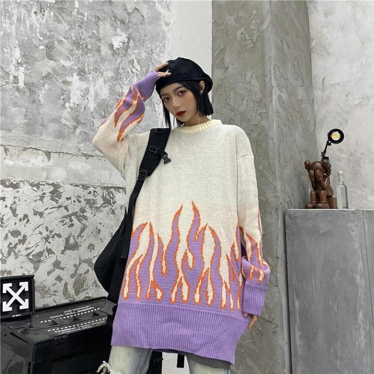 Sueter estilo Kawaii Noir con llamas rosas