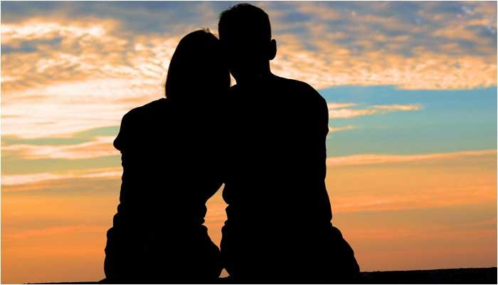 不妊治療で妊娠した夫婦のイメージ画像