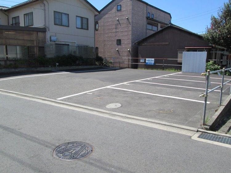 女池3丁目駐車場