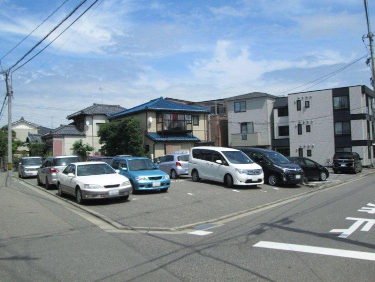 小島駐車場