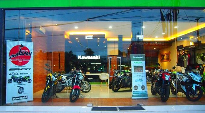 Showroom Kawasaki Moto Art tampak depan