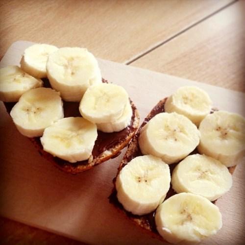 Bananen Nusscreme Brötchen