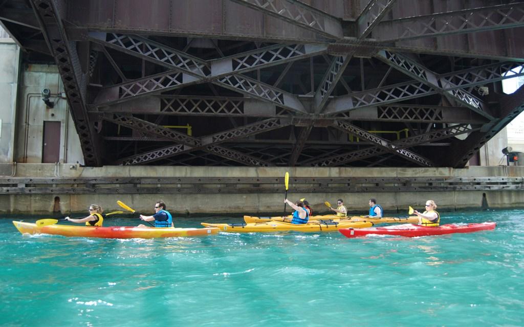 chicago river canoe