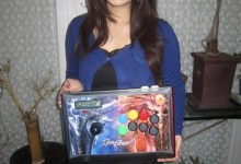 Photo of Kayane with the Mad Catz Soul Calibur V Fightstick ! [French & English]