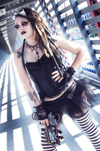 steampunk_goth_by_valiantkaye-d45hdtd