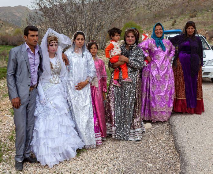 Travel_from_Shiraz_to_Isfahan_Iran_41249744881